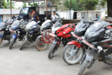 पोखरामा मोटरसाइकल चोरी गर्ने १९ पक्राउ, ८ मोटरसाइकल फेला