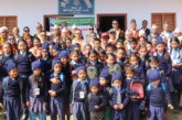 पुम्दीकाे दुर्गा आधारभुत विद्यालयमा शैक्षिक सामाग्री वितरण