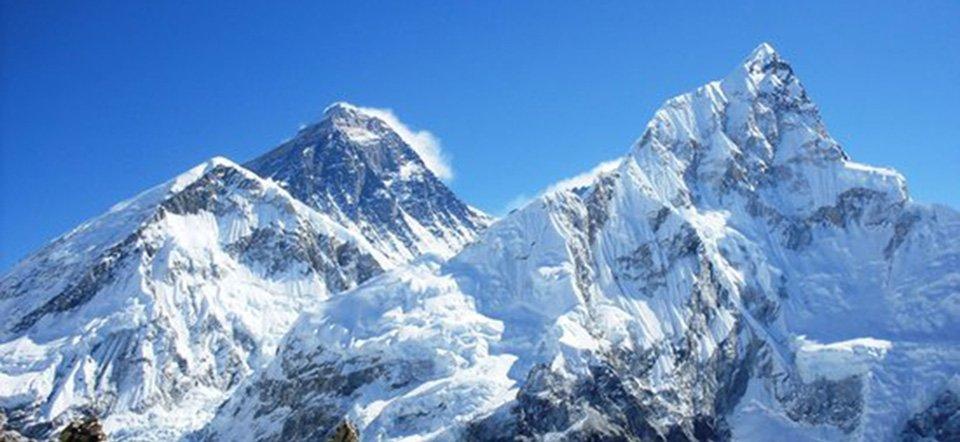 चीनतर्फ आरोहण बन्द हुँदा नेपालबाट सगरमाथामा आरोही बढ्ने